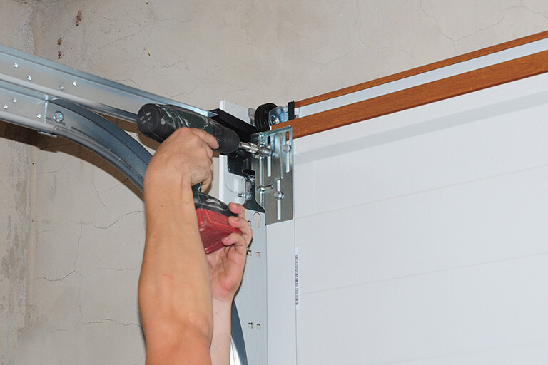 Best garage door installers in Hamilton